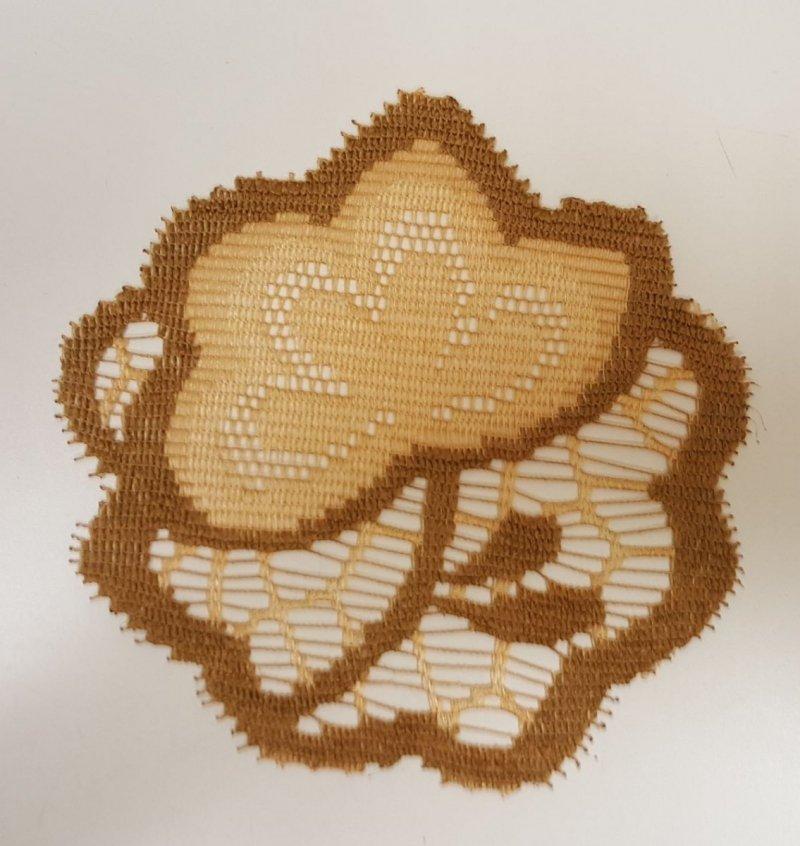 Serwetka ozdobna (komplet 6szt) rozmiar 15cm wz. kwiat