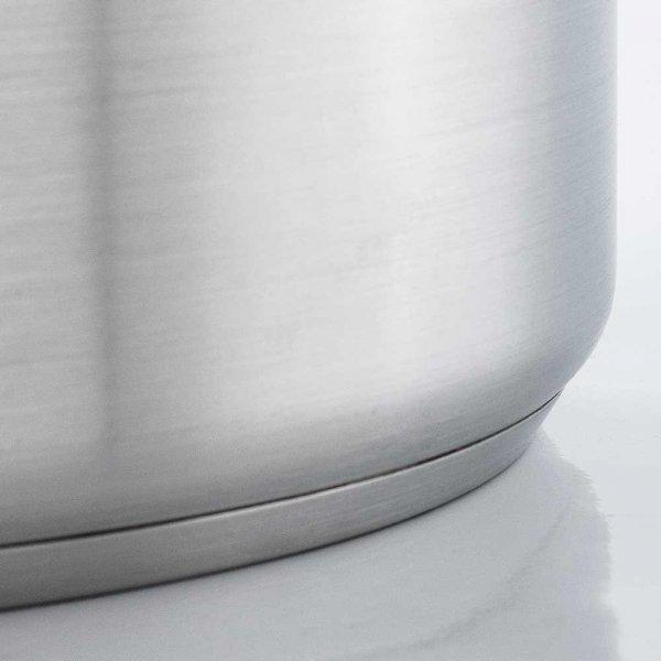 Garnek średni d 200 mm 4,4 l z pokrywką