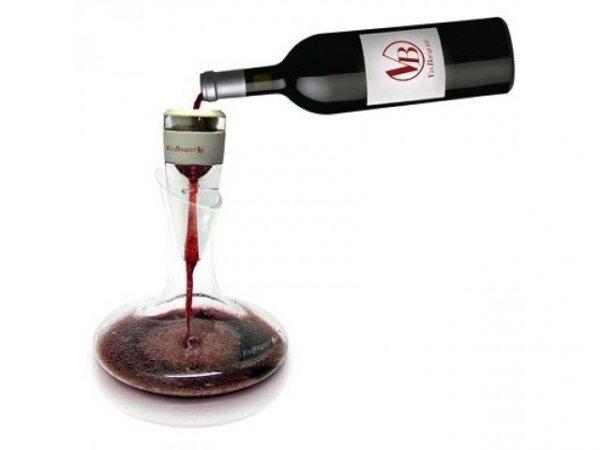 Stylowy aerator i elegancka karafka do wina