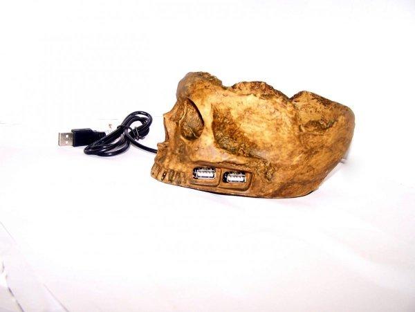 Klimatyczny i przerażający hub USB czaszka