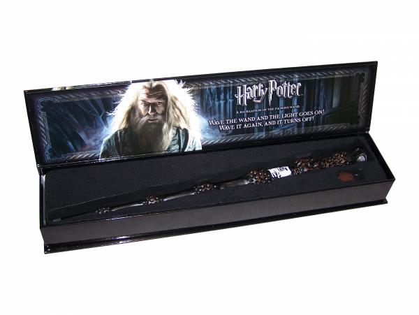 albus dumbledore świecąca różdżka