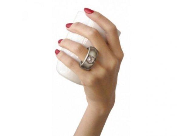 Dwukaratowy kubek - zaskocz partnerkę - pierścionek!