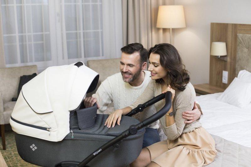 wózek wielofunkcyjny TORINO ( gondola+ spacerówka + fotelik MARS ) Bebetto