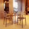 Designerskie krzesła Miss Bibi są bardzo wytrzymałe, odporne na zarysowania, warunki atmosferyczne i promieniowanie UV.