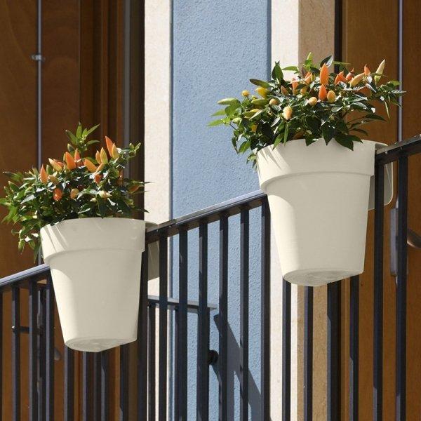 Piękne doniczki balkonowe UP w kolorze białym