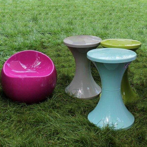 Nowoczesne stołki Tam Tam Pop są idealne do wnętrz i do ogrodów