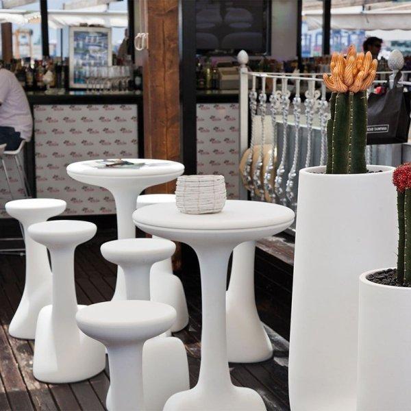 Stołki Armillaria to idealny mebel do baru, restauracji, hotelu