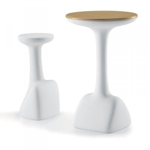 Stołki Armillaria można kupić w komplecie ze stołem z tej samej serii