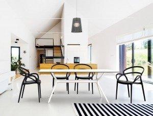 Krzesło Mila oraz AIR table Siesta o pięknym designerskim kształcie