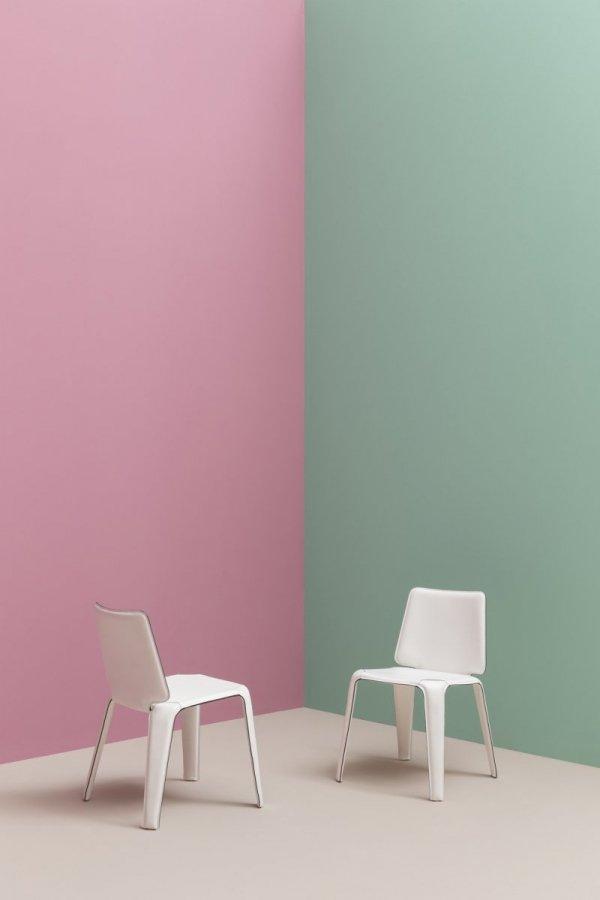 Piękne, lekkie, nowoczesne krzesło tapicerowane skórą Pedrali Mood 720
