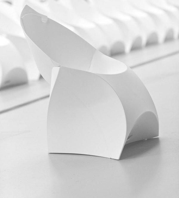 nowoczesne składane krzesło flux