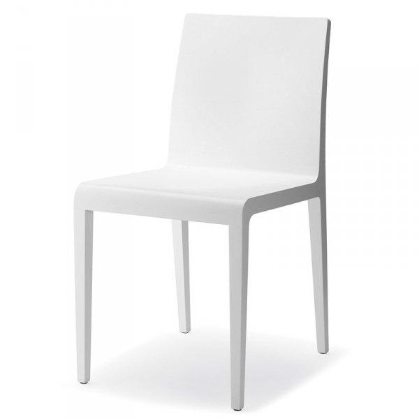 Nowoczesne krzesło w skandynawskim stylu Young 420 Pedrali Lakierowany biały dąb z widocznymi słojami