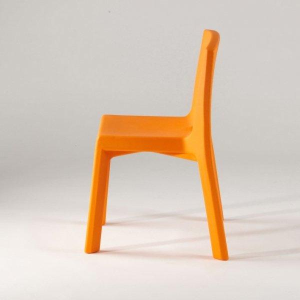 Q4 Krzesło Slide