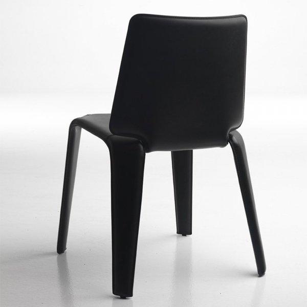 Skórzane krzesła do nowoczesnych wnętrz prywatnych i komercyjnych Pedrali