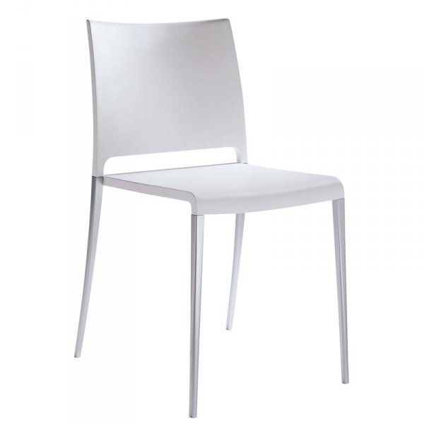 Minimalistyczne krzesło z tworzywa Pedrali Mya 700