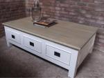 Drewniany stolik w stylu retro Romolo