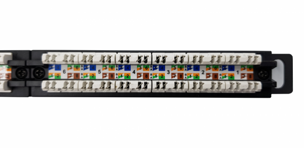 Panel UTP kat.5e  0.5U - 24 porty LSA z półką TLine TL05