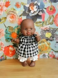 Olimi, bluzeczka z bloomersami, kratka czarno-biała, dla lalki Miniland 21cm