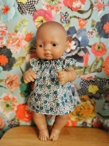Olimi, suienka dla lalki Miniland 32cm, turkusowe kwiatki