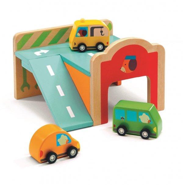 Djeco, drewniany mini garaż z 3 autkami,