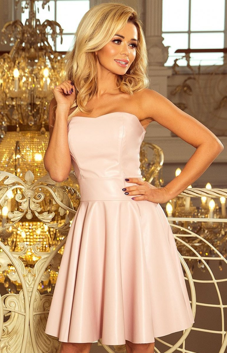 d6aa5e0bc9 Numoco 83-3 sukienka z ekoskóry pastelowy róż - Sukienki ...