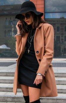 Elegancki płaszcz z wełną karmelowy Roco P012