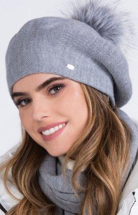 Kamea Dora czapka z pomponem