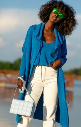 Długi kardigan damski niebieski F1257