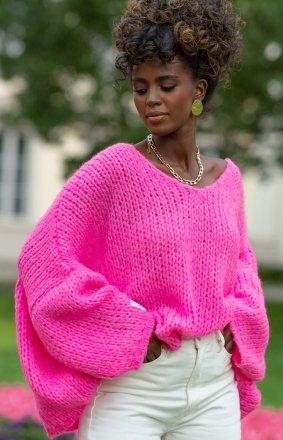 Oversizowy sweter damski różowy F1256