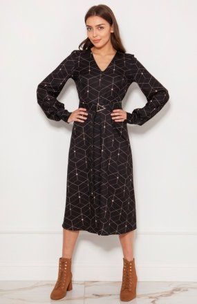 Sukienka z efektownymi rękawami wzór SUK189
