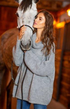 Oversizowy sweter z golfem Fobya F811