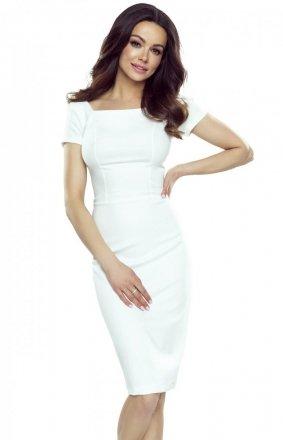 Ołówkowa sukienka z wycięciami na plecach biała