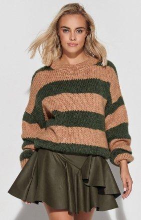 Oversizowy sweter w khaki paski S106