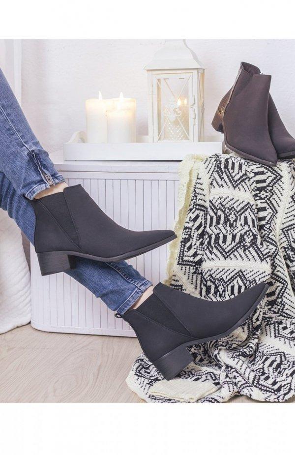 Eleganckie czarne botki