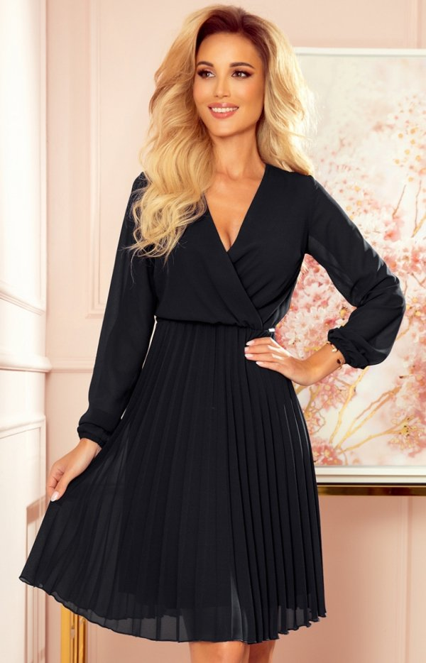 Elegancka czarna sukienka z plisowaniem Numoco 313-7