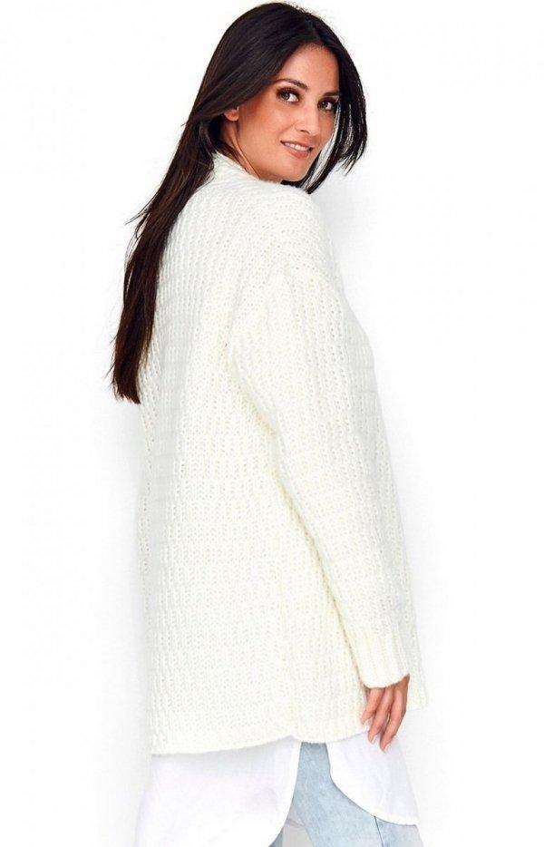 Ciepły sweter zapinany na guzik ecru Numinou S66 tył