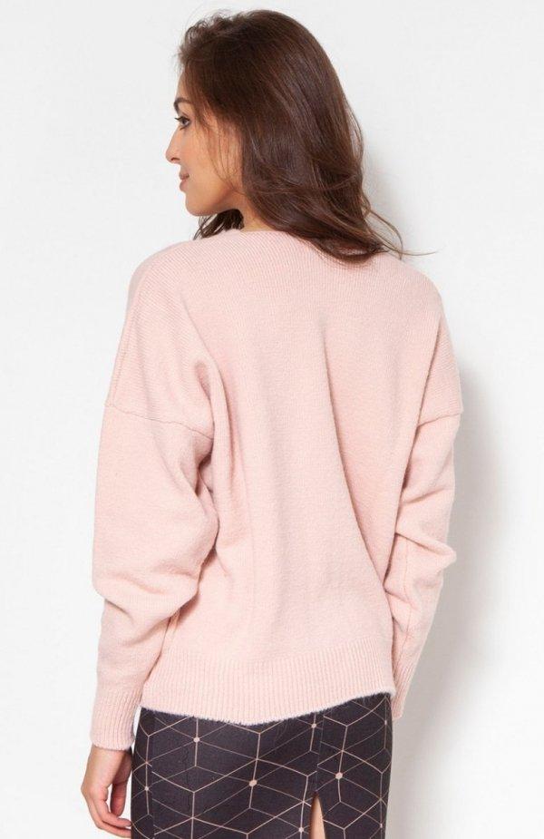 Sweter na duże guziki róż SWE131 tył