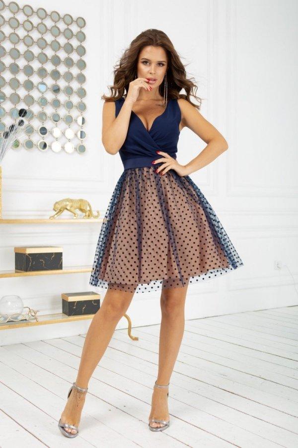 Rozkloszowana sukienka w groszki 2217-22-1