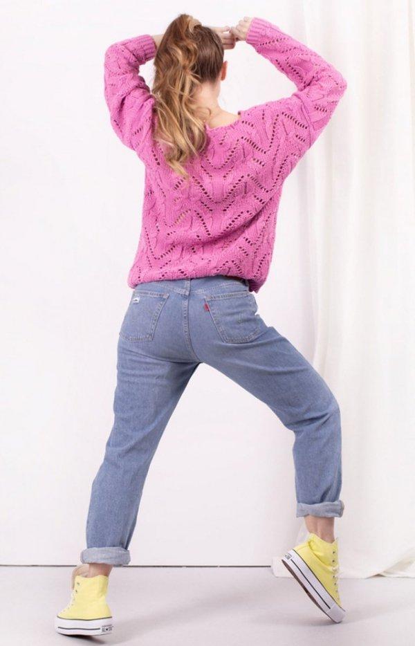 Ażurowy sweterek różowy LS319 tył
