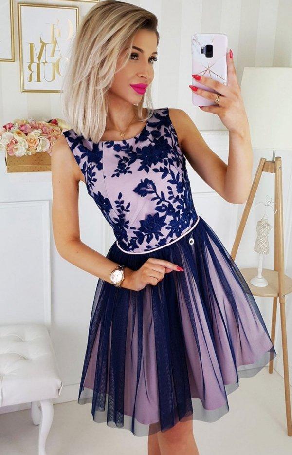 Rozkloszowana sukienka z tiulem 2179-11