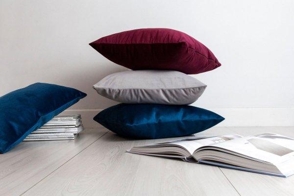 Velvet szara poduszka dekoracyjna 45x45