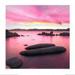 Ogromne kamienie w jeziorze - reprodukcja