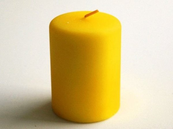 Świeca ozdobna - Żóółta walec - 7x10cm