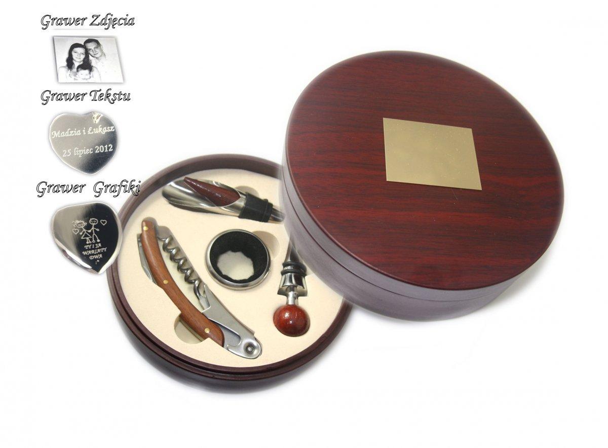 Rewelacyjny Zestaw do Wina w Drewnianym Okrągłym pudełku +GRAWER - Skrzynki AX93