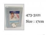 Album na zdjęcia w kolorze niebieskim. Rozmiar 17 cm. Rozmiar zdjęcia 9x13 cm