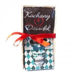 Zestaw prezentowy dla Kochanego Dziadka z herbatką kubkiem i ręcznikiem - mix wzorów kubków w zestawie
