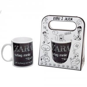 Kubek ceramiczny z napisem 'Zara szlag mnie trafi ...' kolor czarny ,w ozdobnym białym opakowaniu
