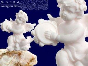 Aniołek grający na tamburynie -alabaster