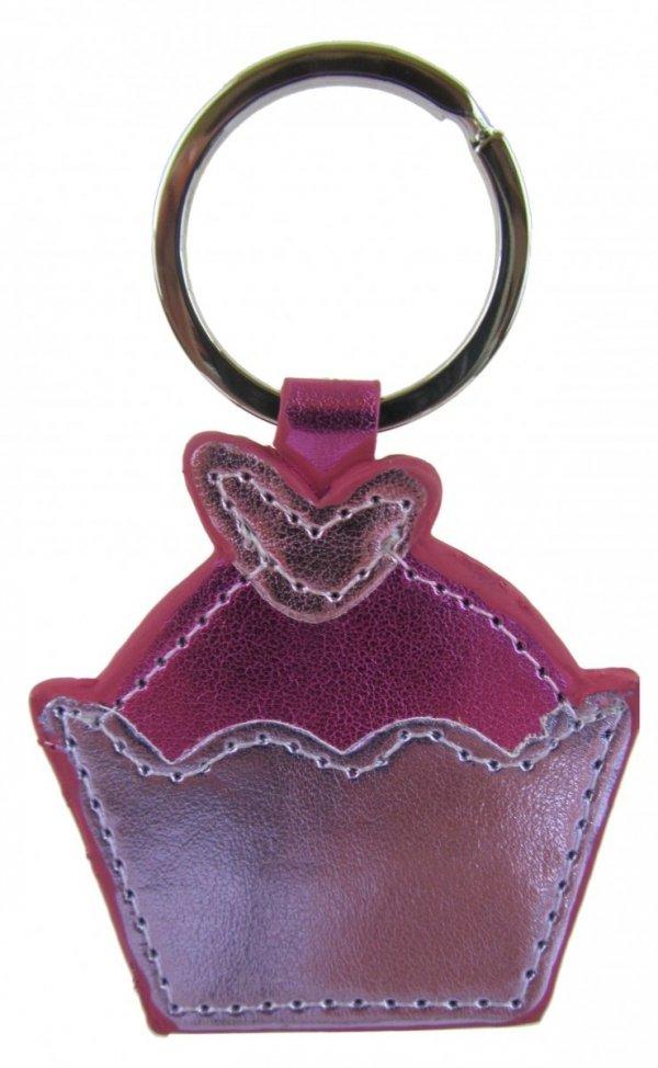 Breloczek - różowa muffinka. Wymiary bez zapięcia: 6,5x6cm.