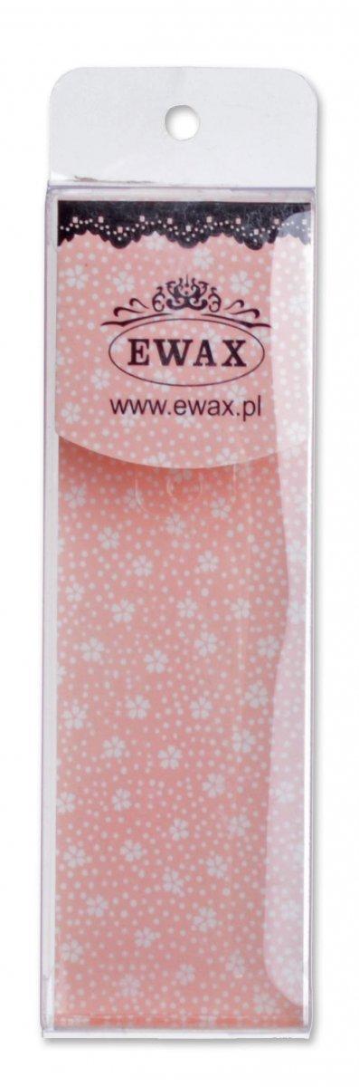 Metalowa zawieszka - różowa filiżanka z łyżeczką, z kryształkami. Wymiary bez zapięcia: 2x2cm.
